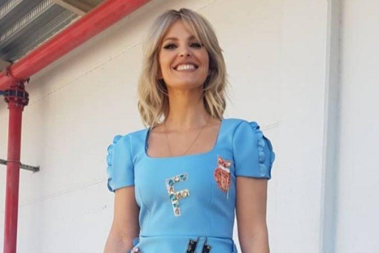 Cristina Ferreira usa micro vestido e choveram piropos