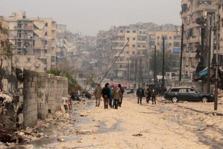 Comissão da ONU diz que rebeldes de Alepo, na Síria, estão a usar civis como escudos humanos