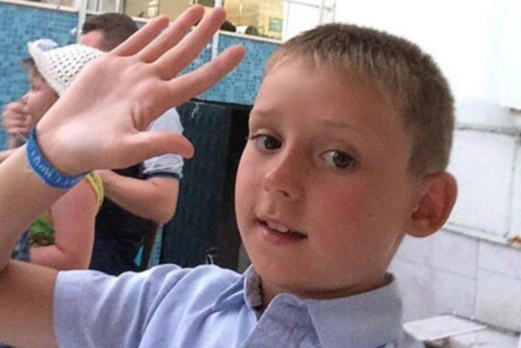 Menino de 11 anos que sobreviveu ao incêndio na Sibéria descobre que ficou órfão [vídeo]