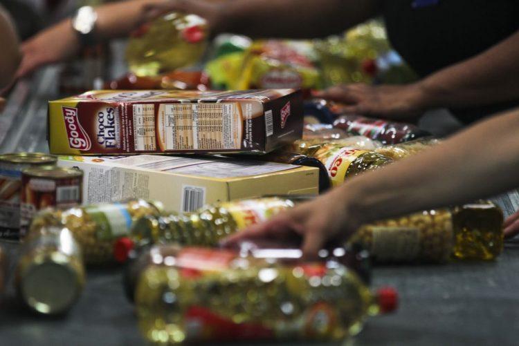 Perto de 1.900 toneladas de alimentos distribuídas a 52.000 carenciados