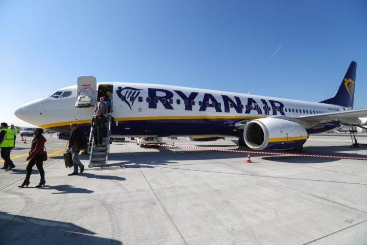 Associação Europeia dos Tripulantes de Cabine condena recurso a tripulantes estrangeiros pela Ryanair