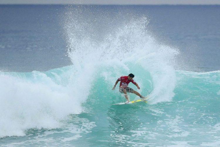 Italo Ferreira impede despedida vitoriosa de Mick Fanning na 2.ª etapa do circuito de surf