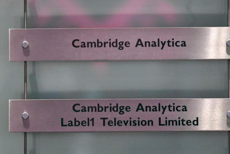 Cambridge Analytica pode ter acedido a dados de mais de 63 mil utilizadores do Facebook em Portugal