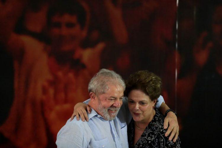 Ex-Presidente Dilma Rousseff diz que prisão de Lula da Silva é perseguição política