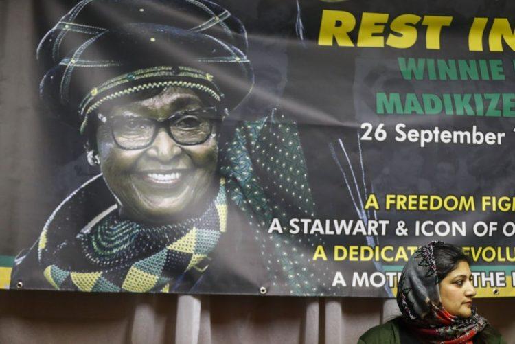 Presidente moçambicano considera Winnie Mandela inspiração para as novas lideranças africanas