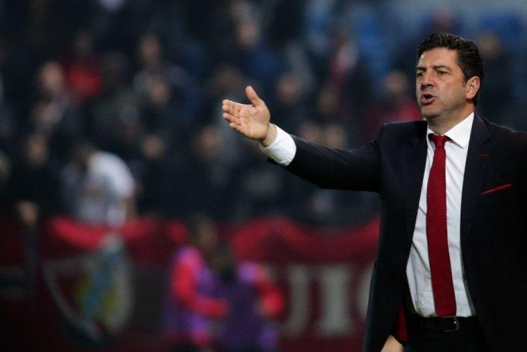 Benfica quer triunfo no Bonfim sem pensar nos rivais pela liderança
