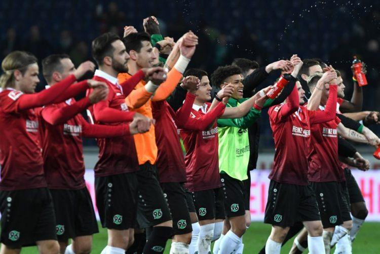 Hannover vence Werder Bremen e sobe ao 13.º lugar da Bundesliga