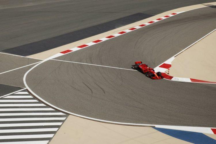 Sebastian Vettel conquista 'pole position' no Grande Prémio do Bahrain de F1