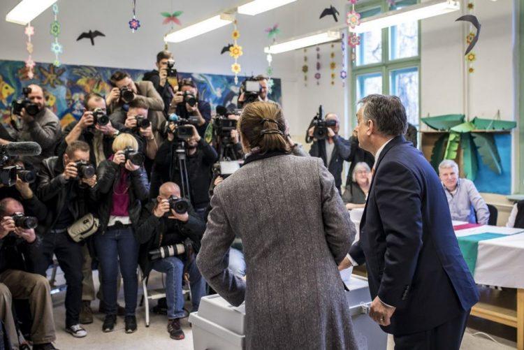 Húngaros começaram a votar nas eleições legilslativas