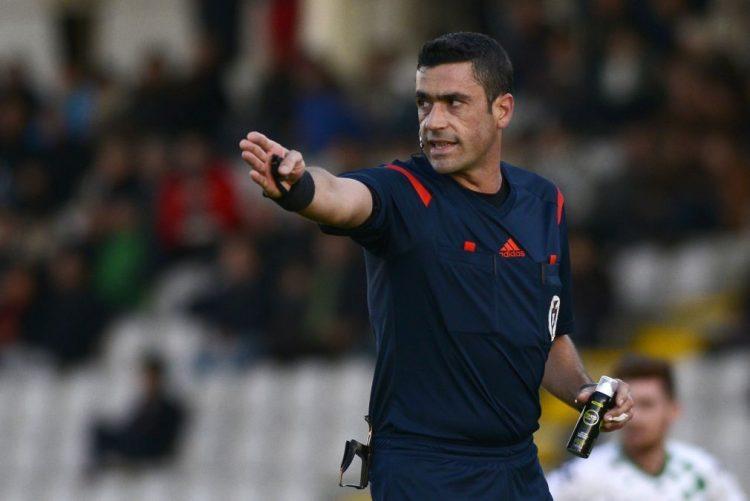 Árbitro Nuno Almeida no FC Porto-Desportivo das Aves, Bruno Esteves no Sporting-Paços de Ferreira