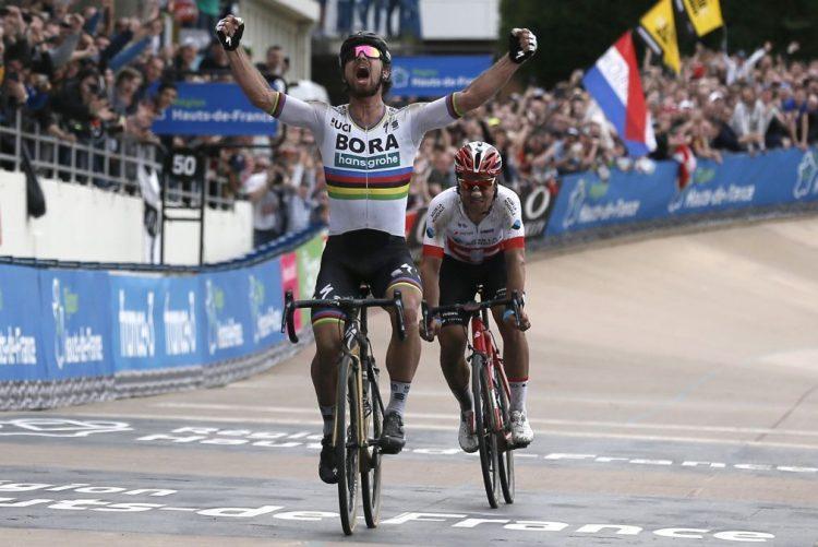 Tricampeão do mundo Peter Sagan impõe-se no Paris-Roubaix