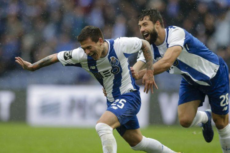 FC Porto regressa às vitórias e continua a um ponto do Benfica