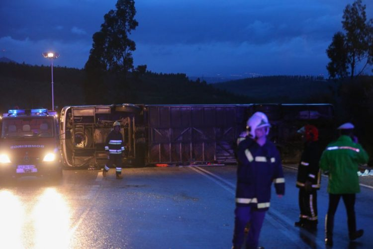 Sobe para quatro número de feridos graves em despiste de autocarro em Nisa
