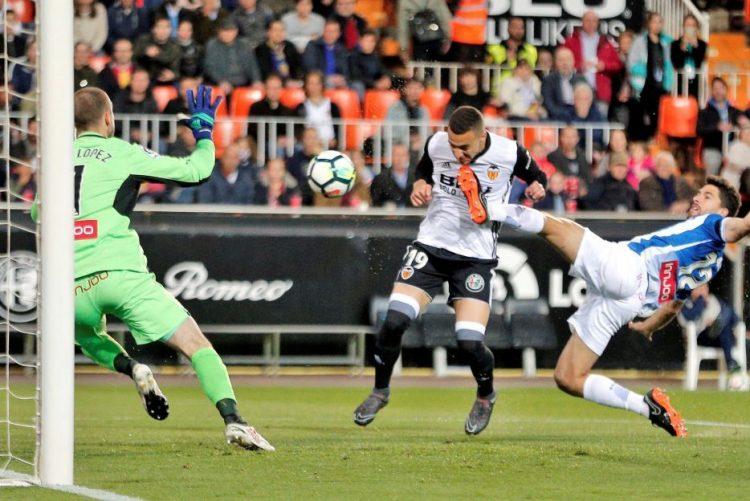 Valência bate Espanyol e tira Real Madrid do pódio