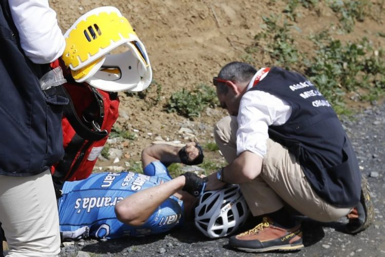 Ciclista belga Michael Goolaerts morreu no hospital após queda no Paris-Roubaix