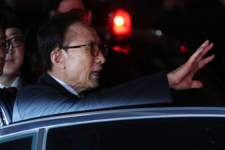 Ex-Presidente sul-coreano Lee Myung-bak vai ser julgado por corrupção