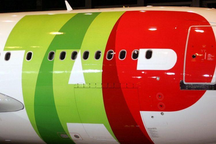 TAP está a contratar 170 pilotos e 300 tripulantes de cabine