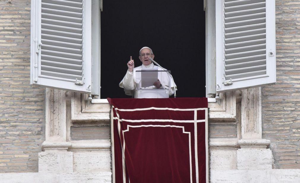 Papa Francisco admite corrupção no Vaticano