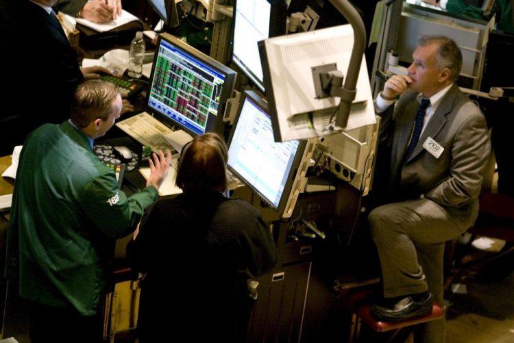 Wall Street fecha em alta sessão marcada por ida de Zuckerberg ao congresso dos EUA