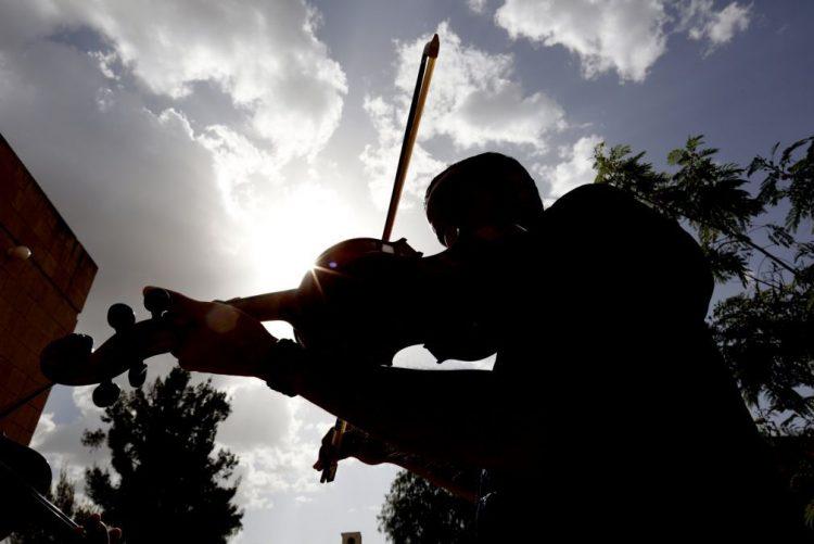 Violinista Carlos Damas inicia hoje digressão por sete palcos chineses