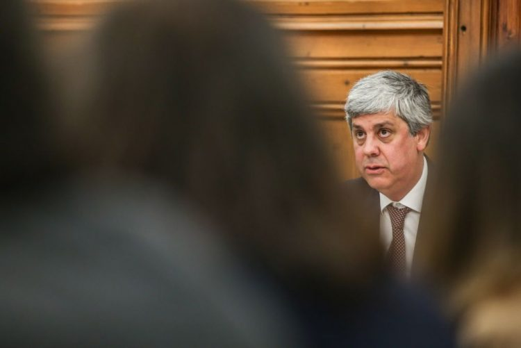 CDS acusa Centeno de fazer cativações encapotadas na Saúde e de impor austeridade