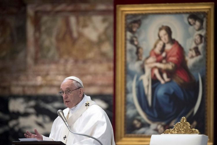 Papa Francisco admite