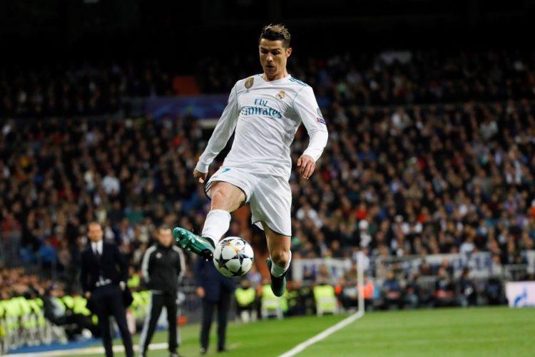 Penálti de Cristiano Ronaldo aos 90+7 coloca Real Madrid nas 'meias'