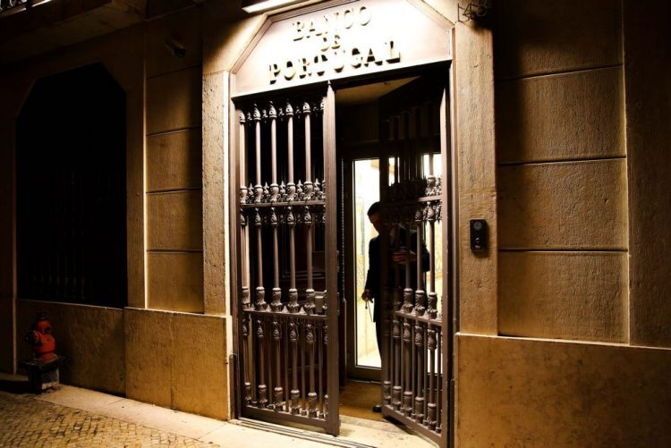 Economia portuguesa voltou a apresentar capacidade de financiamento no final de 2017