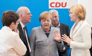 Partido de Merkel critica projetos de Macron para a zona euro