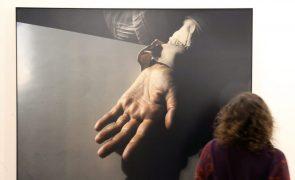 Artista Daniel Blaufuks inaugura hoje exposição com novas obras em Lisboa