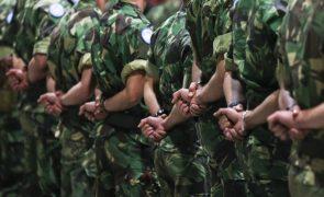 Militares portugueses auxiliam feridos na República Centro-Africana