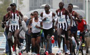 Eliud Kipchoge vence maratona de Londres pela terceira vez