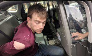 Polícia norte-americana detém suspeito do tiroteio em restaurante de Nashville