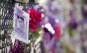 Família de Prince vai processar hospital que tratou músico dias antes de morrer