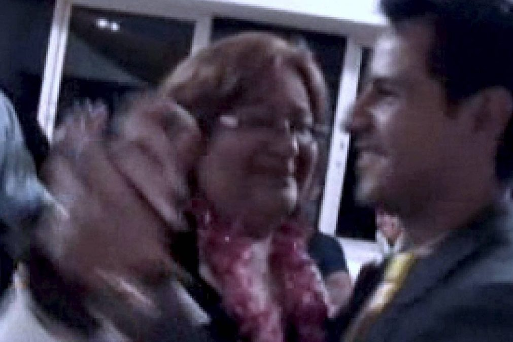 Mulher de cadeira de rodas, apanhada a dançar após receber milhares de euros por ser incapacitada