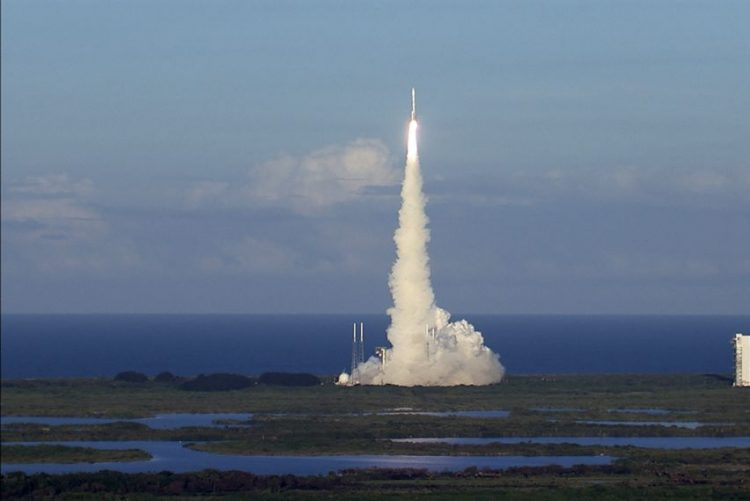 Micro-satélites para estudar furacões foram lançados - NASA