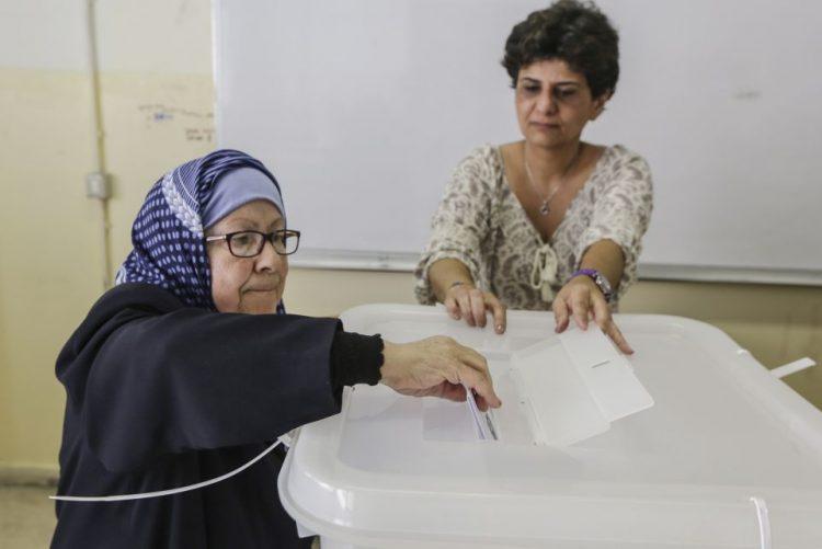 Anúncio dos resultados das eleições no Líbano atrasado sem explicações