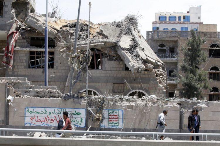 Pelo menos seis mortos e 30 feridos em ataques ao palácio presidencial do Iémen