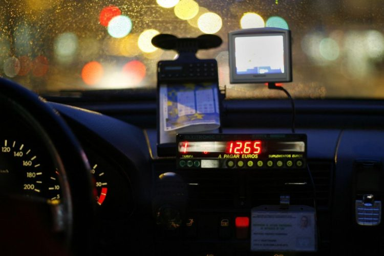 Taxista detido por cobrar a mais a estrangeira na Web Summit