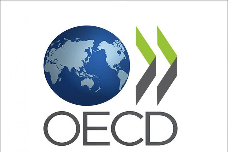 Futuros governos devem ser encorajados a manter flexibilização curricular, diz OCDE