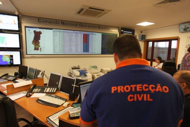 José Duarte da Costa substitui António Paixão no comando operacional da Proteção Civil