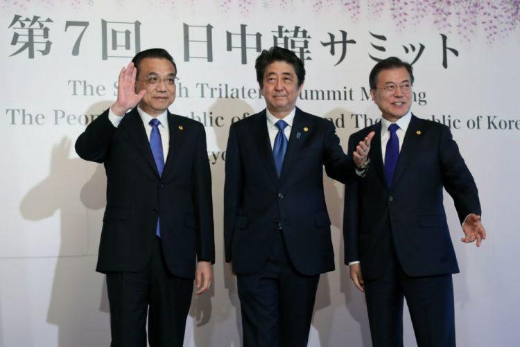 Tóquio, Seul e Pequim comprometem-se a cooperar sobre Coreia do Norte