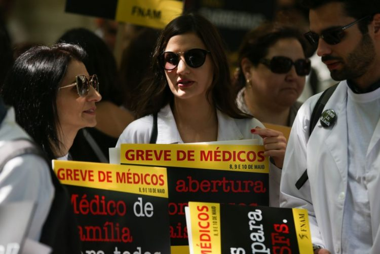 Sindicatos denunciam contratação ilegal no Instituto de Medicina Legal