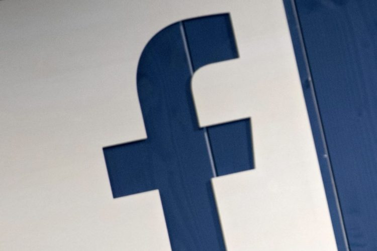 Divulgados mais de 3.500 anúncios no Facebook criados por agência russa para dividir EUA
