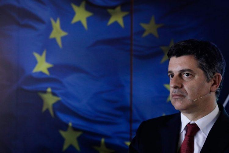 Ministro da Economia diz que não foi assessor de Manuel Pinho