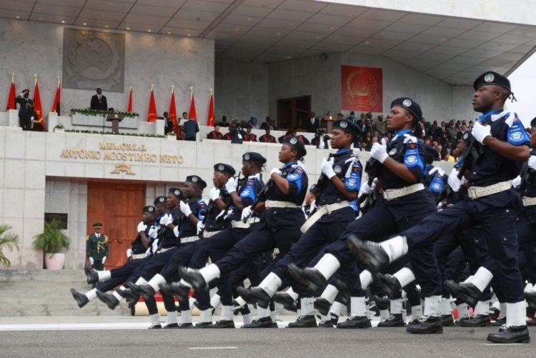 PR angolano nomeia 62 generais para cargos nas forças armadas e exonera 42