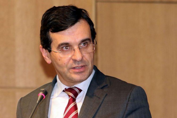 Ministro da Saúde considera que pedido de demissão «não tem sentido»