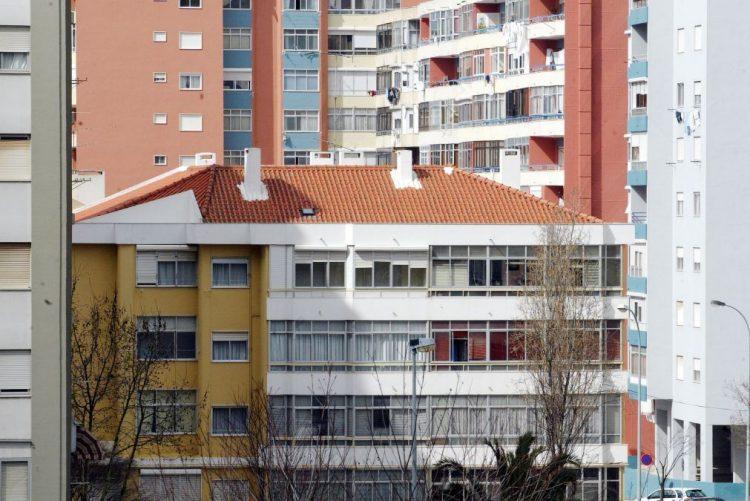 Parlamento aprova juros negativos no crédito à habitação, com abstenção do PSD