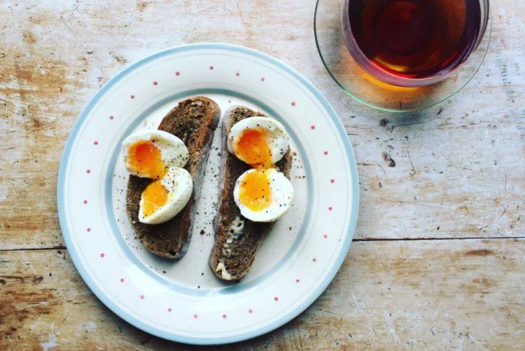 Já conhece a dieta do ovo cozido? As promessas são de perder 24 quilos em 2 semanas