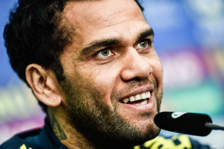 Mundial 2018: Federação brasileira anuncia que Dani Alves está fora da prova